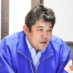 専務取締役:東條昭人