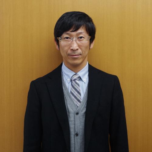 専務取締役:新保尚志
