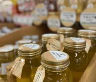 明日はミツバチの日!はちみつ20%OFFセール開催!!