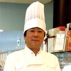 代表:松井秀明