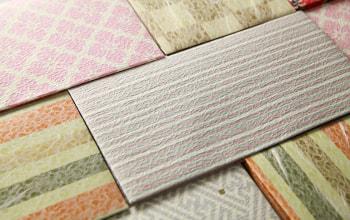 日本の伝統文様をあしらったケース