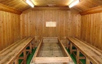 杉板で作られた麹室
