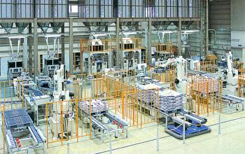 精米工場ではロボットが稼働