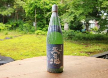 春日山 天と地 純米吟醸 – 株式会社 武蔵野酒造