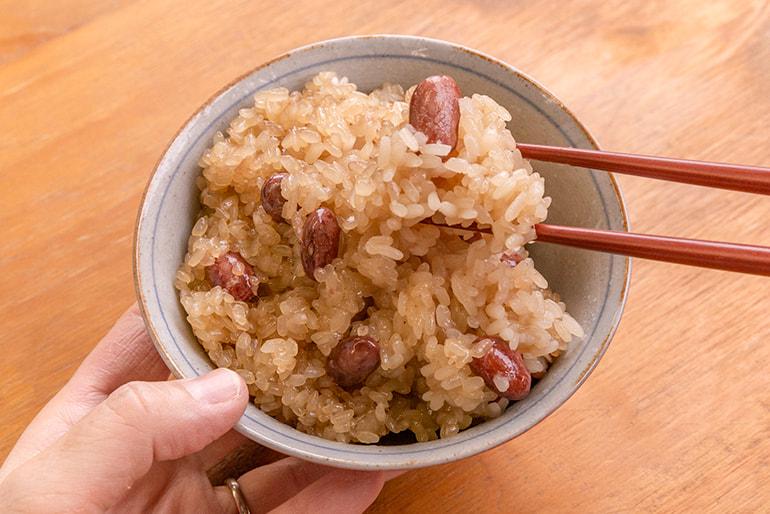 自家栽培米使用 醤油・五目おこわ – 青木農場
