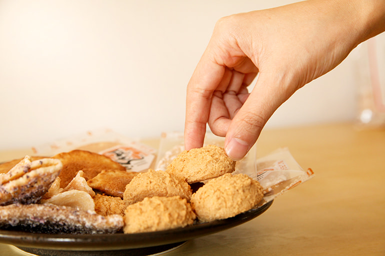 本間製菓 昔ながらのせんべいセット – 本間製菓