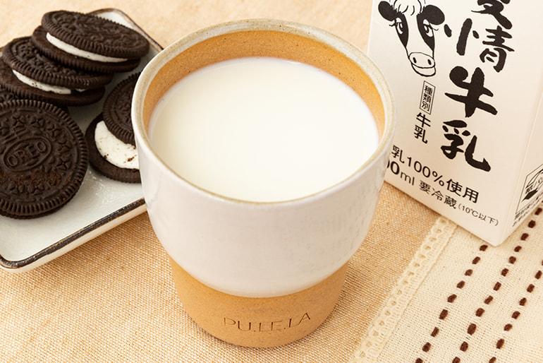 やすだ愛情牛乳と牛乳専用カップ「PULELA」のセット – 株式会社 神田酪農