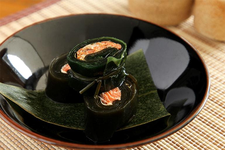 昆布巻(紅鮭・にしん) – 有限会社 宮崎商店