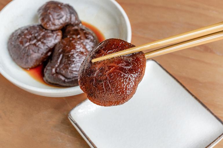 佐渡産 原木乾燥しいたけ「小料理 春子」 – 佐渡しいたけファーム