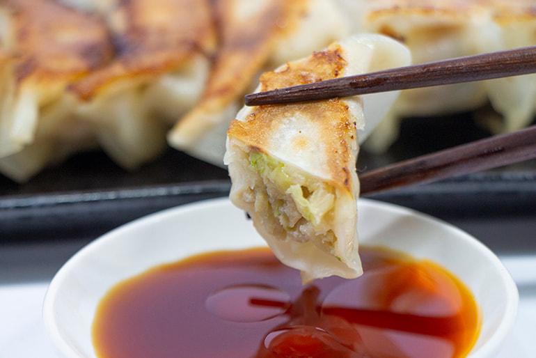 米粉入り豚肉餃子(冷凍) – 俺のとんこつラーメン伝丸