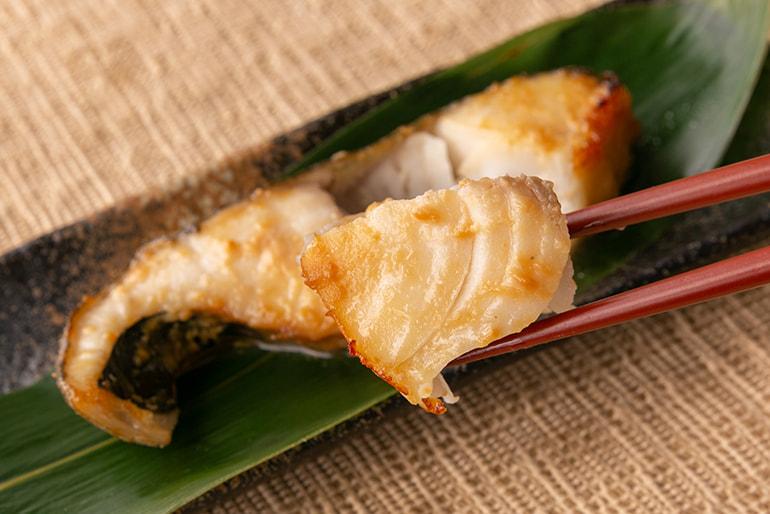 キングサーモンと銀鱈の味噌漬け詰め合せ – 海産物ねだち