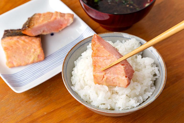 サーモン・豚・鶏の漬けセット – 太田鮮魚店
