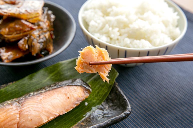 村上名産 塩引き鮭 – 株式会社渡辺鮮魚