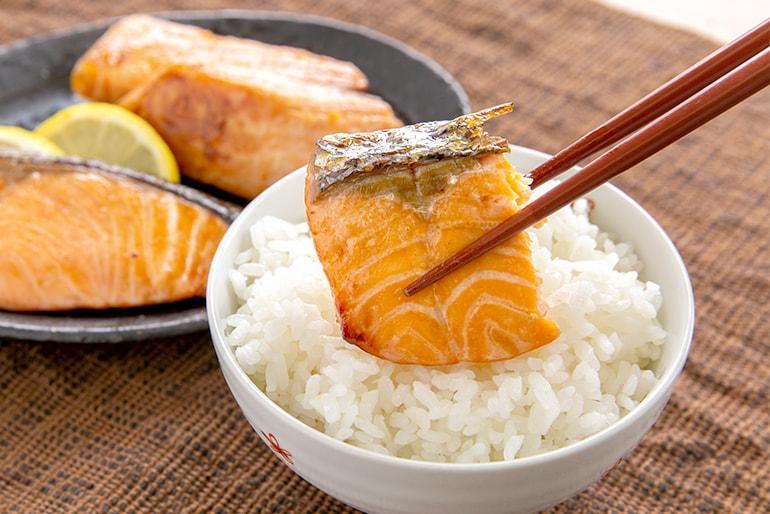 「緋美一徳」鮭の味噌漬け – 相馬鮮魚店