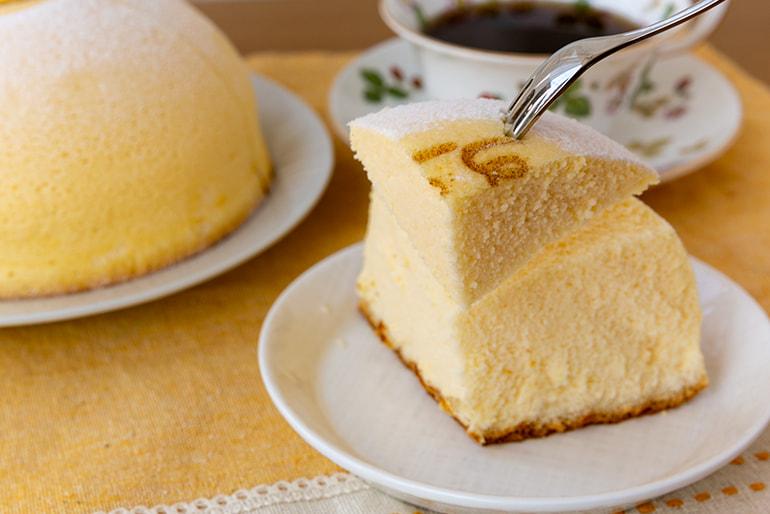 スフレチーズケーキ「ぷにょぷにょほっぺ」 – 山川製菓