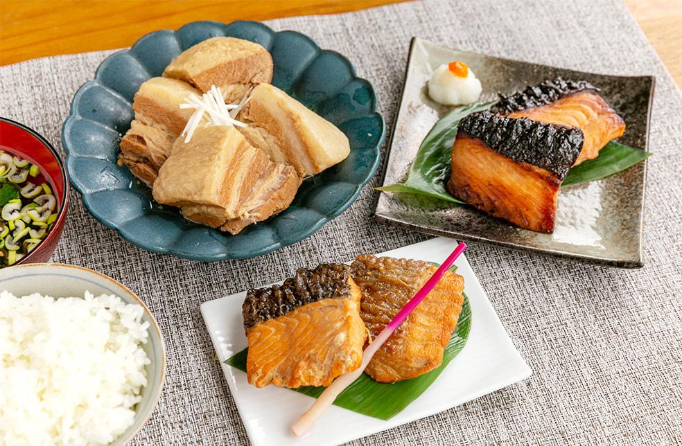 老舗割烹の惣菜詰め合わせ(鮭の味噌漬け・鮭の焼漬け・豚角煮)