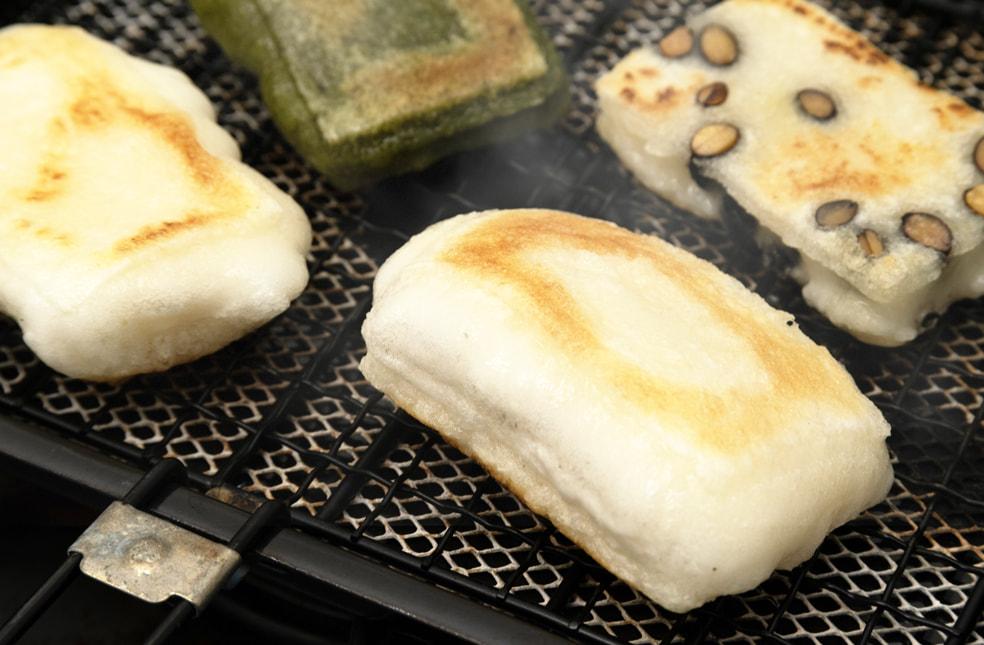 杵つき餅(こがねもち)