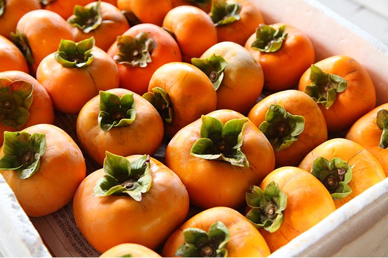 あべ農園自慢の「ごま八珍柿」を産地直送でお届け!