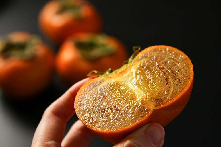 シャリッと食感!ごま八珍柿