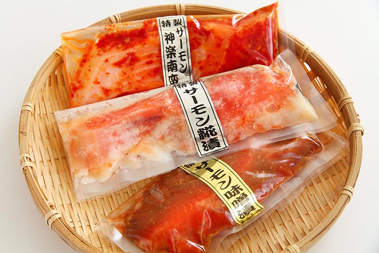 道の駅 阿賀の里の人気魚市場「魚匠」