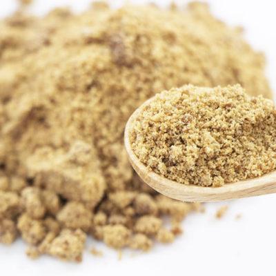 厳選した西表島産の黒糖を使用