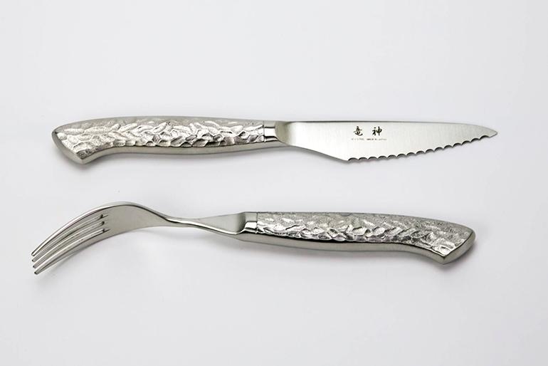 使い心地抜群の高級ステーキナイフ&フォーク