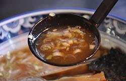 1.「白湯スープ」と「和風スープ」を合わせたオリジナルスープ