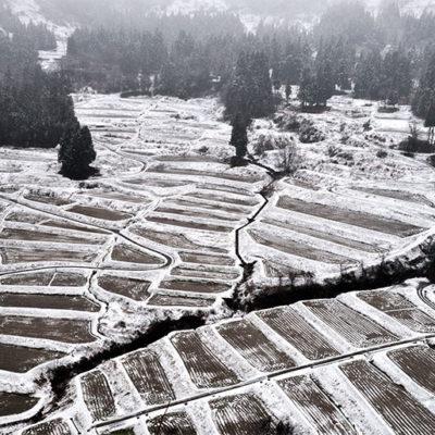 例年の豪雪が夏でも豊富な水源となる