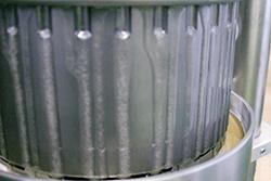2.低温圧搾(コールドプレス製法)で栄養素をそのまま抽出