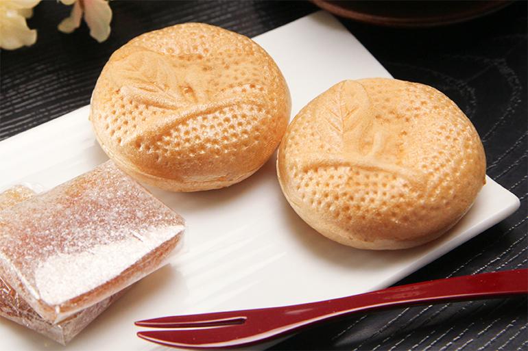 天下の徳川将軍も虜にした本間屋の柚餅子はいかがですか?