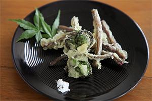 3.コゴミの天ぷら