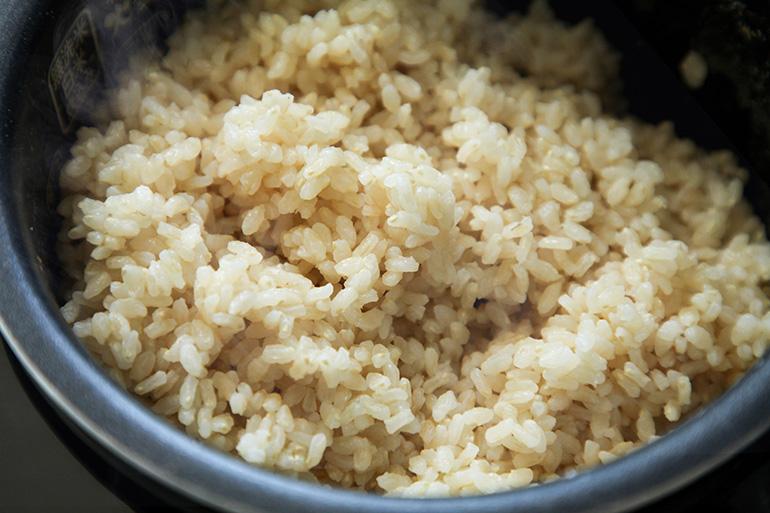「ふつうの炊飯器で炊ける玄米」