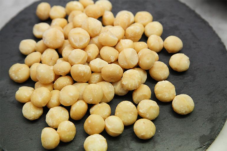 大粒で甘い!ルワンダ産マカダミアナッツ