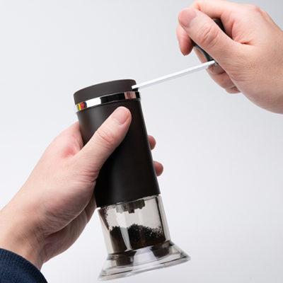 職人技で作り上げたセラミック刃のコーヒーミル