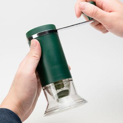 素材と鮮度を楽しめるセラミック刃のお茶ミル