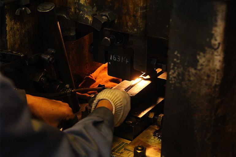 熱間鍛造で歪みは少なく、強度はアップ!