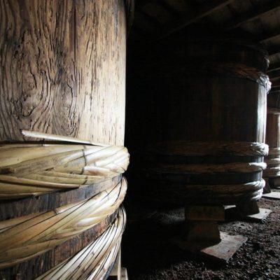 コトヨ醤油で先祖代々続いている木桶