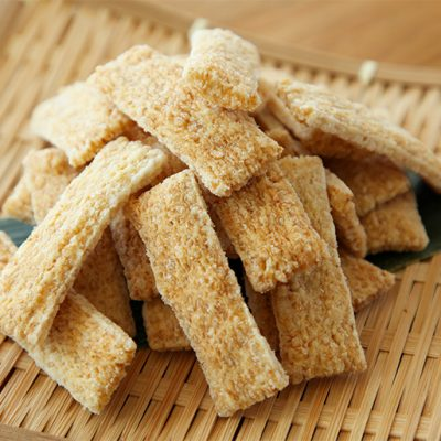 『玄米かきもち』香ばしい香りと玄米の噛みごたえが特徴