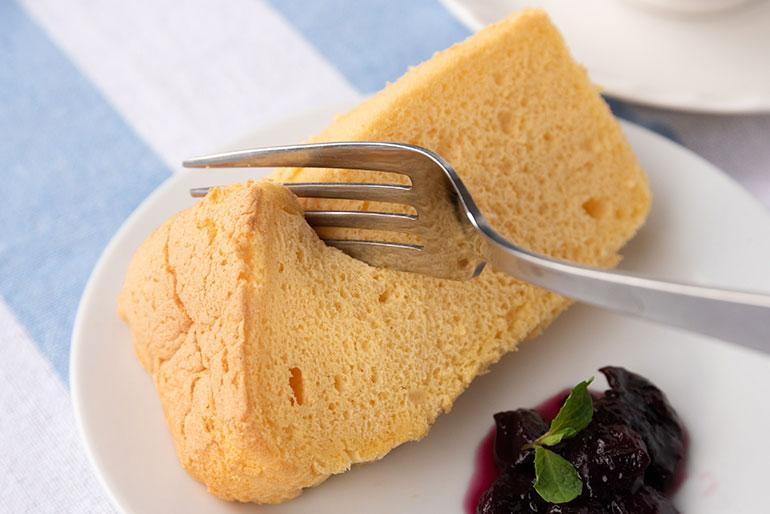 自家製の有機栽培米100%で作ったシフォンケーキ