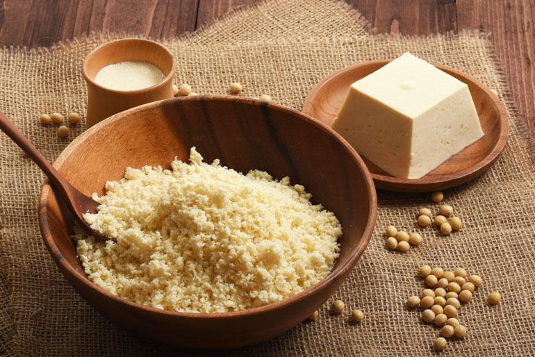 原料から手作り!大豆と水とにがりだけで作った豆腐を使用