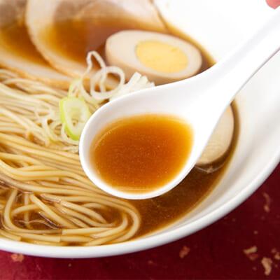カニのうま味を引き立たせる味噌スープ