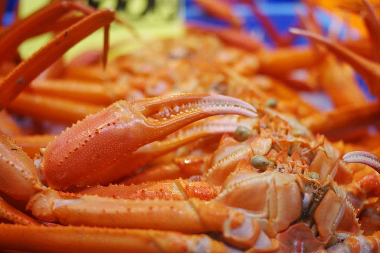 新潟沖で獲れた紅ズワイガニのミソをたっぷり使用