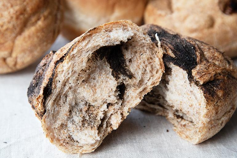 小麦本来の美味しさがはっきりと分かる丸パン