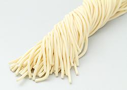 1.モチモチ加減が絶妙!自家製工場で作る「もちもち太麺」!