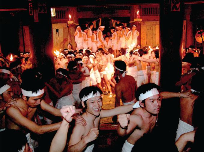 日本三大奇祭のひとつ、「裸押合大祭」
