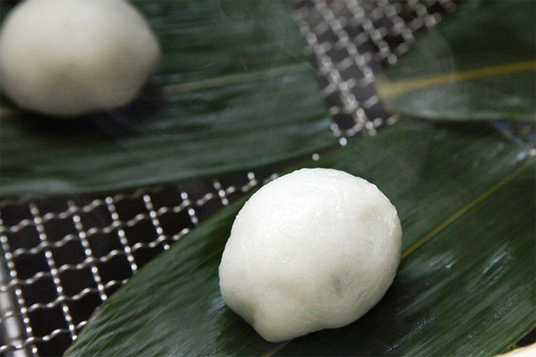 1.ふんわりモチモチの米粉生地