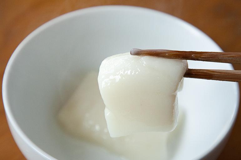 強いコシと甘みが自慢の真っ白な切り餅