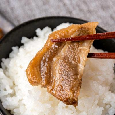 小川屋オリジナルの「お肉の焼漬け」との詰め合わせ