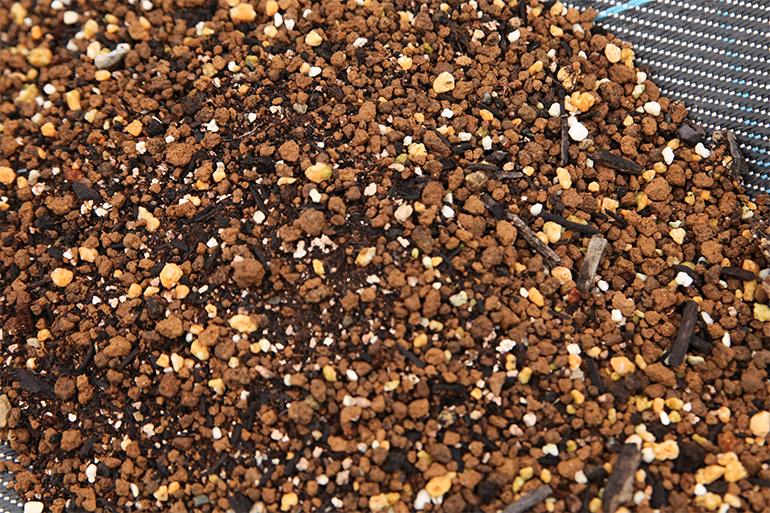 ハーブ栽培専用の培養土だから安心!
