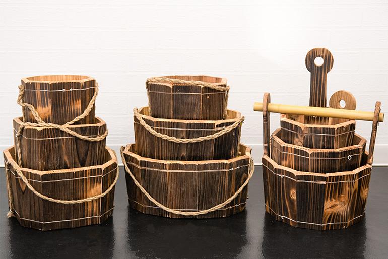 庭職人が一つ一つ手作りする木製プランター